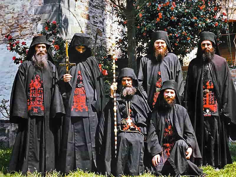 Святые отцы о духовниках и старцах