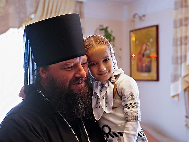 Богослужение и дети - с какого возраста приучать к церковной службе?