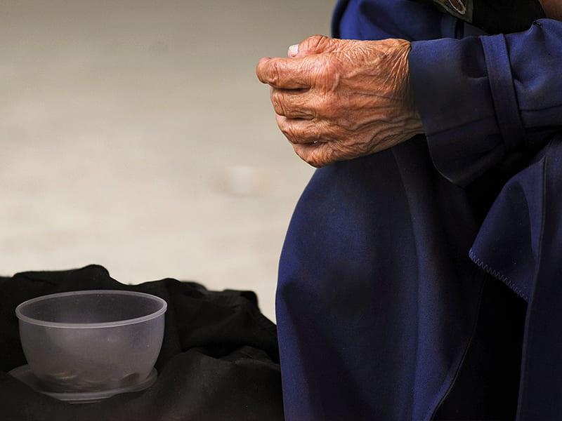 Милостыня - как правильно совершать милостыню?